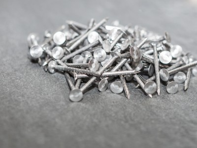 Alloy nails for slate installation