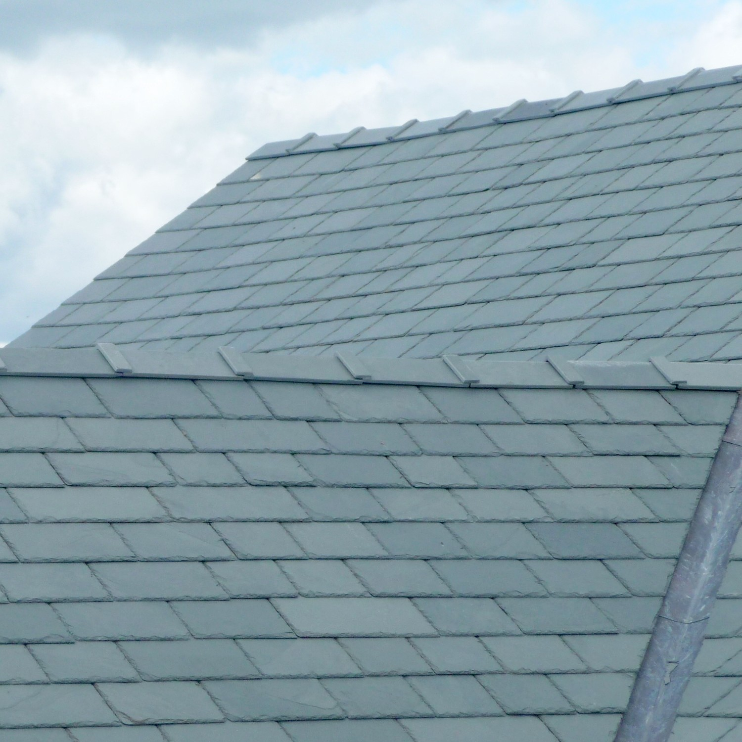 A Look At Ridge Tiles Uk Slate