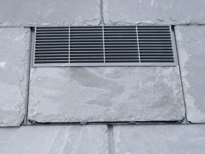 Slate tiling with air vent