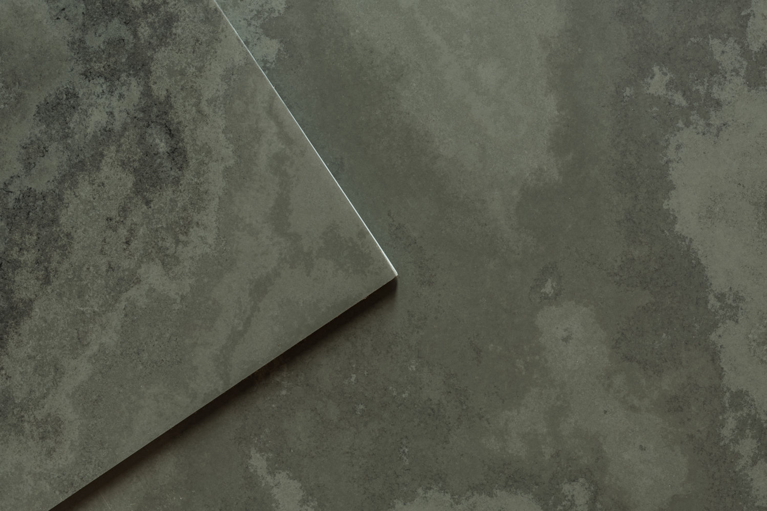 Slate flooring natural flooring uk slate ravendale graphite honed ravendale graphite honed slate tiles dailygadgetfo Image collections